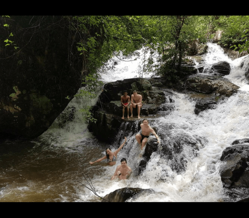 Hikes to the waterfalls!