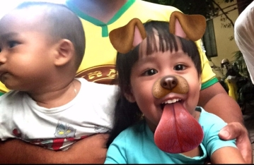 This little girl was obsessed with my snapchat filters. Such a cutie!